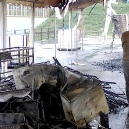 Area feste incendiata, caccia ai colpevoli  Forse sono stati filmati dalle telecamere