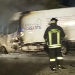 Olgiate, incendio nella notte  Distrutto un furgone