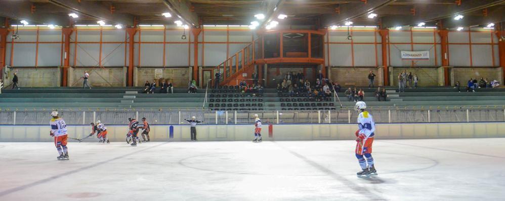 Casa e spettatori per l'Hockey Como Occasione buona con il Valdifiemme