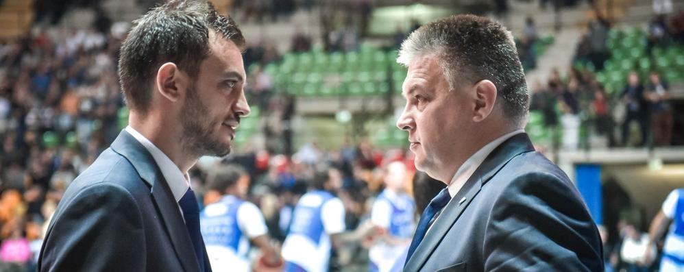 I coach di Cantù: «Noi avanti finché ci sarà consentito»