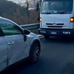 Auto e furgone si scontrano  Un ferito a Bene Lario