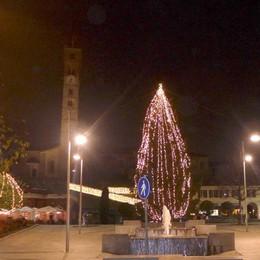 Natale a Cantù, voglia di tradizione  Apre oggi la casa di Santa Klaus