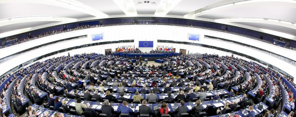 Bilancio Ue, Europarlamento fissa priorità su giovani, lavoro e clima