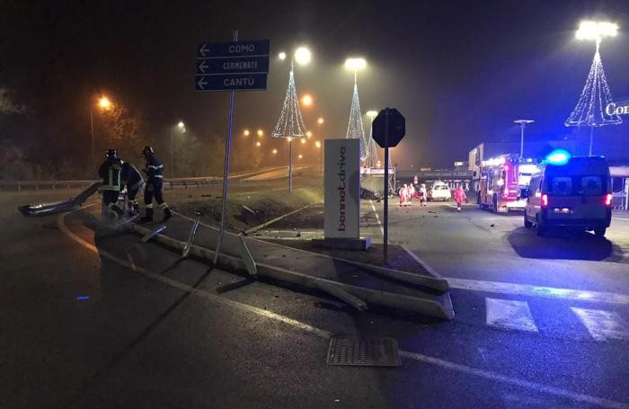 Cantù incidente Audi domenica 25 novembre 2018 corso Europa ore 5,47