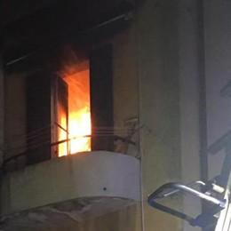 Incendio in cucina Pompieri a Camerlata   Qui il video