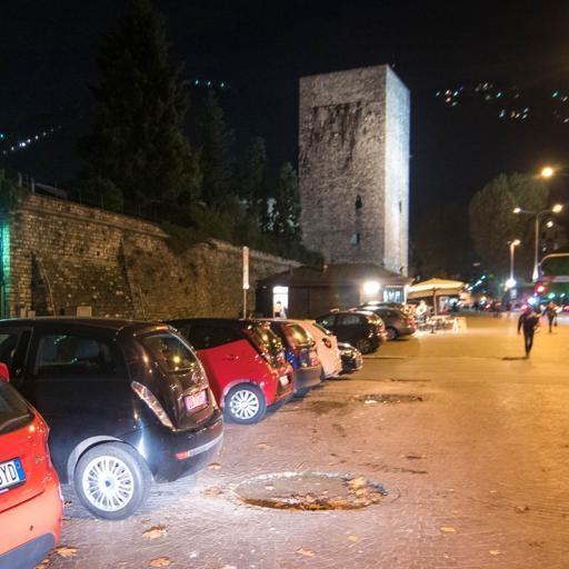 Sosta selvaggia nel weekend In 270 multati dai vigili - Como