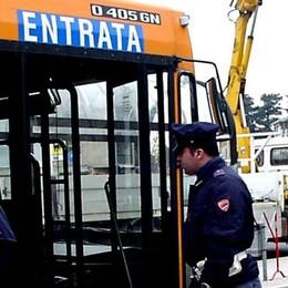 Autista del bus ubriaco in via Napoleona  Rischia il posto, il sindacato non lo molla