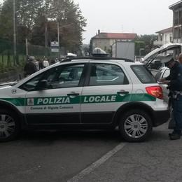 Troppe auto in contromano  Olgiate, due furbetti al minuto