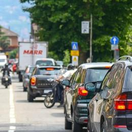 Assediati dai rumori  «Colpa del traffico, non solo dei bar»
