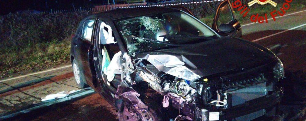 Carlazzo, salvo il feto di sette mesi  Ricoverata la donna ferita nell'incidente