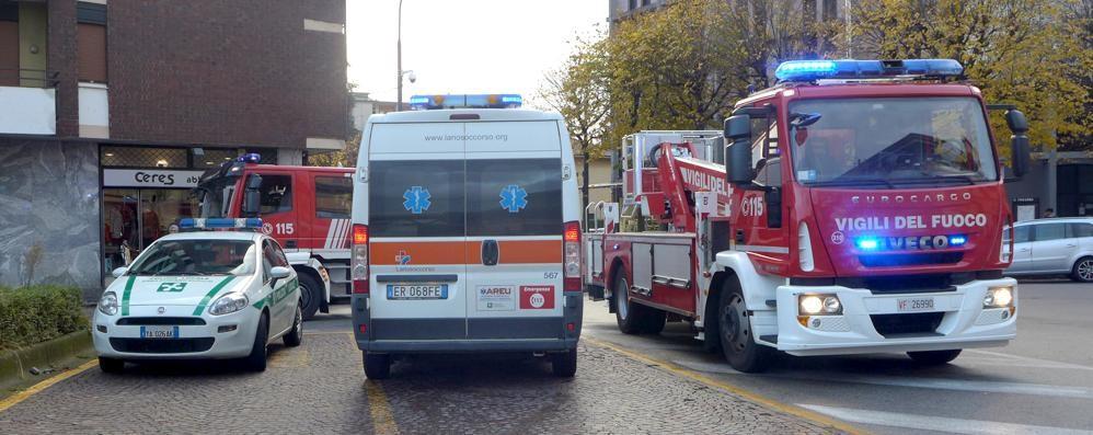 """Donna """"barricata"""" in casa  Erba, ci vogliono i pompieri"""