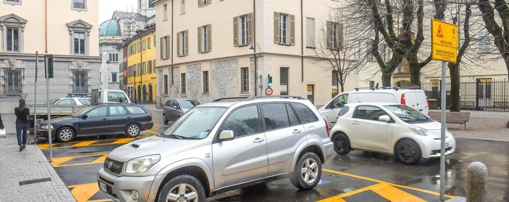 Como, retromarcia del Comune  «Piazza Roma, niente riapertura»