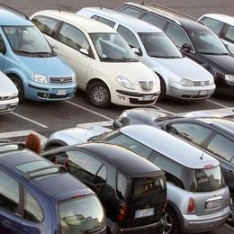 Mercato dell'auto a Como  Primi nove mesi in frenata:  meno 538 auto vendute