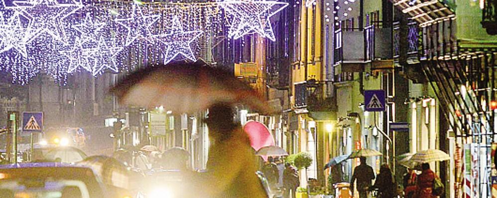 Natale a Como  Lite sulle luci:   «Non paghiamo»