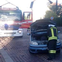 Perde il controllo dell'auto  Donna ferita a Locate