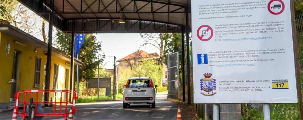 Berna boccia la Lega dei Ticinesi  «Valichi minori  aperti anche di sera»