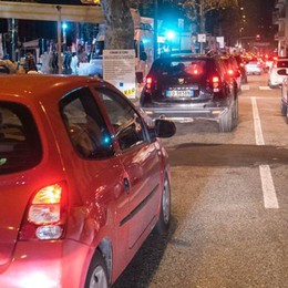 """Traffico a Como  """"Ha da passa' a nuttata"""""""