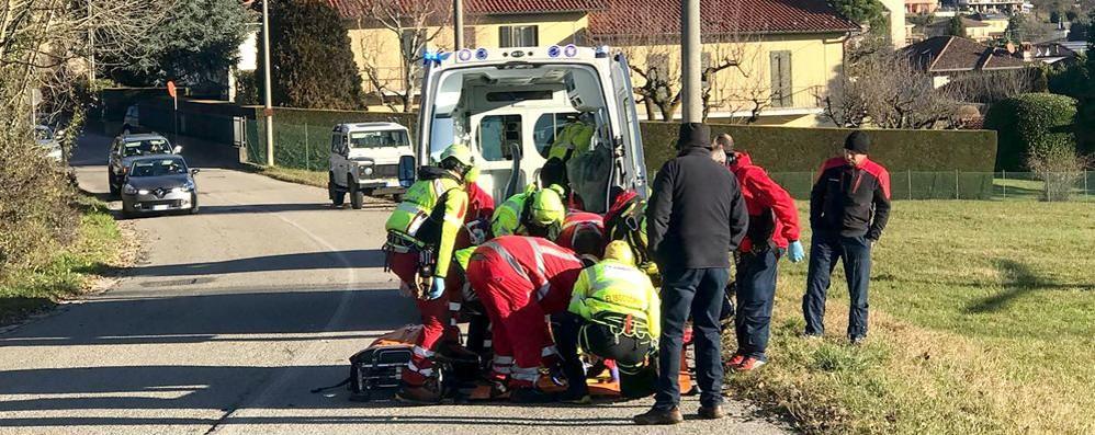 Caduto in moto a Montorfano Il ragazzo non ce l'ha fatta
