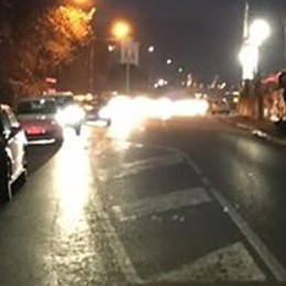 Grandate, automobili in coda  per gli alberi caduti sulla strada