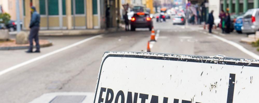 Licenziata in Ticino per gli insulti sul web  Il legale: «Può succedere anche in Italia»