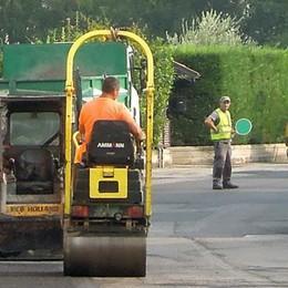 Traffico, un rimedio ai rumori  Nell'Erbese arriva l'asfalto speciale