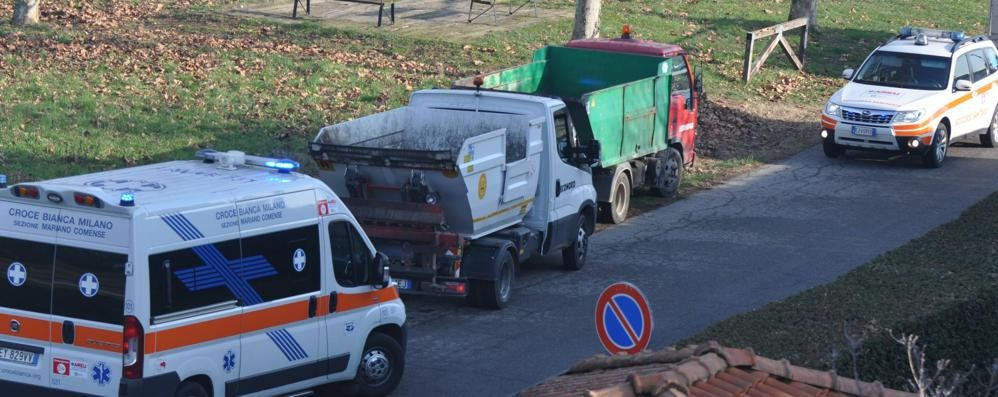 Infarto mentre lavora nel parco   Operaio Econord grave a 33 anni