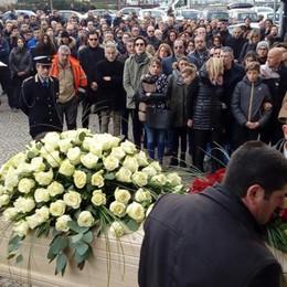 Morto nell'incidente sulla Statale  Argegno dà l'addio ad Andrea