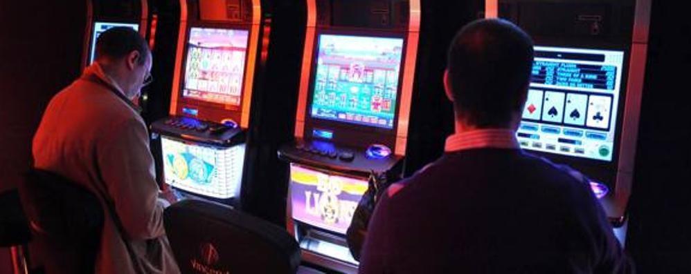 Gratta & vinci e slot, i vizi dei comaschi  Spesi 261 milioni per il gioco d'azzardo