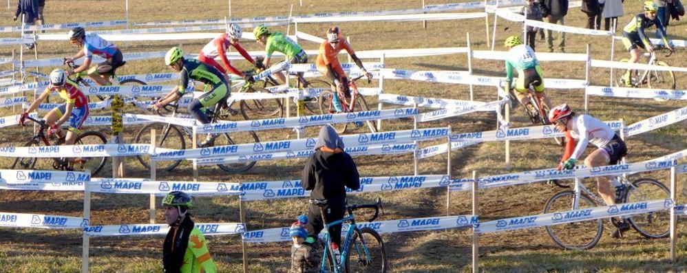 Il ciclocross della Vigilia Un classico a Lurago d'Erba