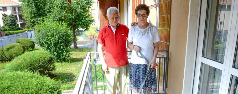 Carla e Piero, amore cieco  «La diversità ci va stretta»