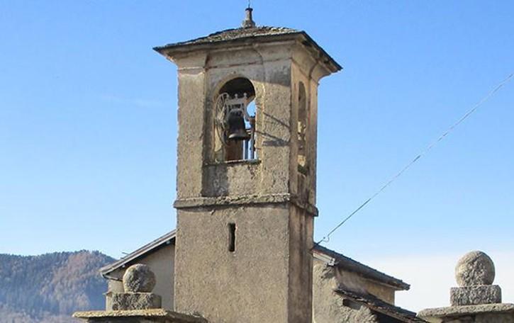 Apre la chiesa di San Silvestro  Blessagno, è l'unico giorno in tutto l'anno