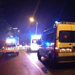 Pensionato cade e si ferisce  Salvato dagli automobilisti