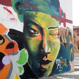 Lomazzo, altri murales dopo le proteste  Sarà dipinto anche il muro della palestra