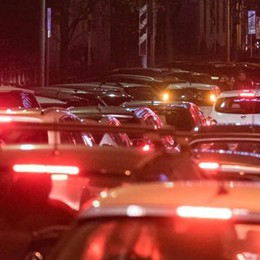 «Contro il traffico  facciamo l'area C  In centro si paghi»   Vota il sondaggio
