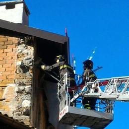 Impalcatura pericolante  Pompieri a Montorfano