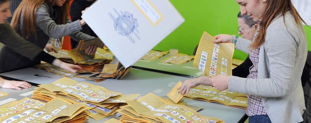 Elezioni politiche  In corsa venti partiti  Una scheda lenzuolo
