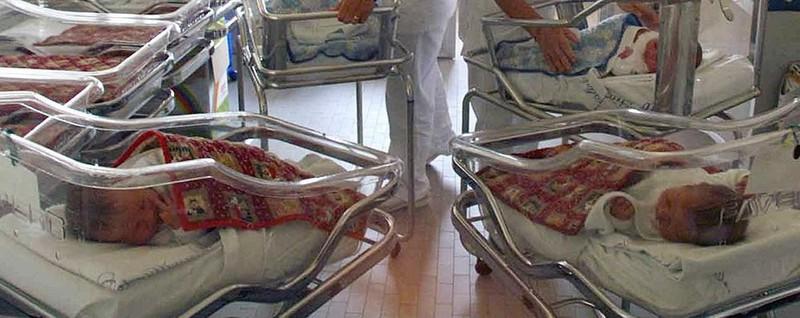 Non è una città per bimbi Como, 100 neonati in meno
