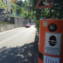 Ormai l'autovelox non basta più  Nuovo semaforo a Caslino d'Erba