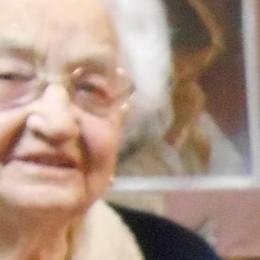 Uncinetto, rosario e don Guanella  Lucilla al traguardo dei 102 anni