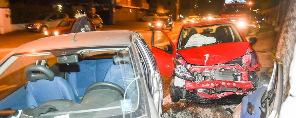 Como, schianto in via Varesina: due feriti