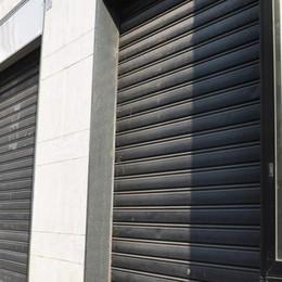La denuncia: «Spariscono i negozi   E il centro di Cantù sta morendo»