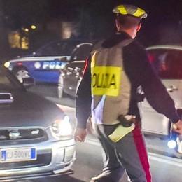 Erba: auto si ribalta  Ferito un ragazzo di 22 anni