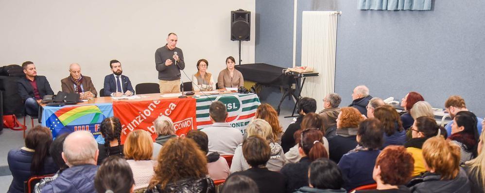 Mense scolastiche, i sindacati rilanciano   «Assemblea e conferma dei dipendenti»