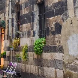 Centri storici in crisi ma non a Como  Il turismo spinge bar e ristoranti