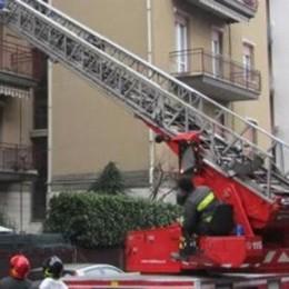 Mariano, chiusa in bagno dalle bimbe  Mamma liberata dai pompieri