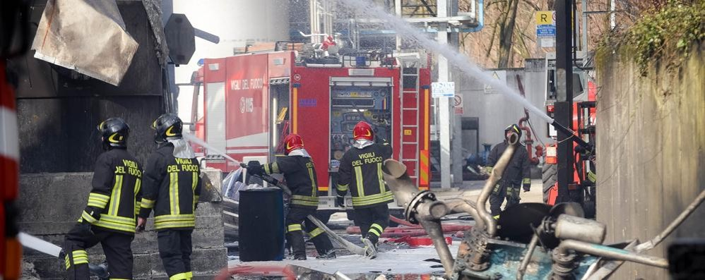 Esplosione in azienda  Migliorano gli operai feriti
