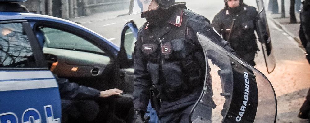 Saronno, la polizia  arresta un anarchico