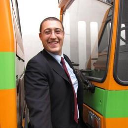 Matteo, il collezionista di autobus  «Amore nato ai tempi della scuola»