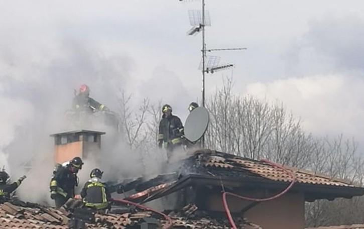 Rodero: brucia  una canna fumaria