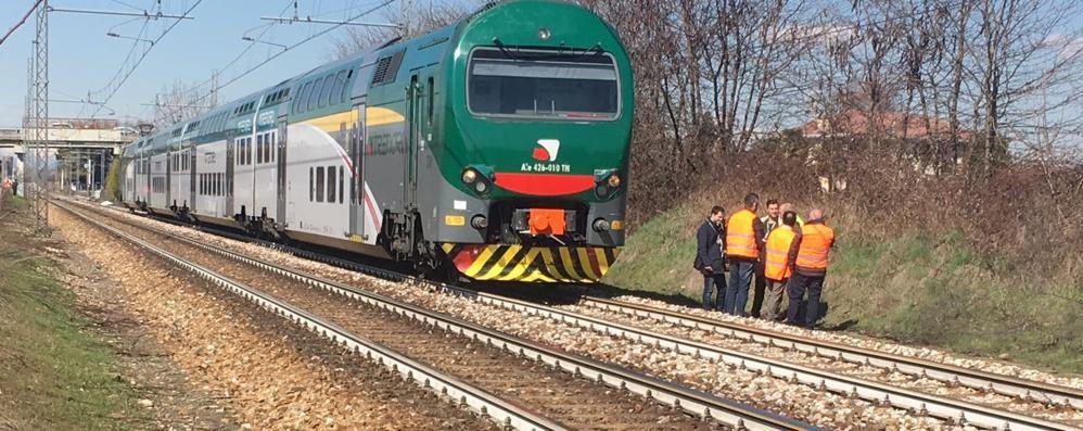 Uomo sotto al treno Circolazione interrotta